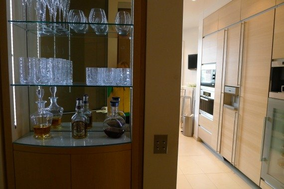 Apartment for Sale Paris - Bar and Kitchen
