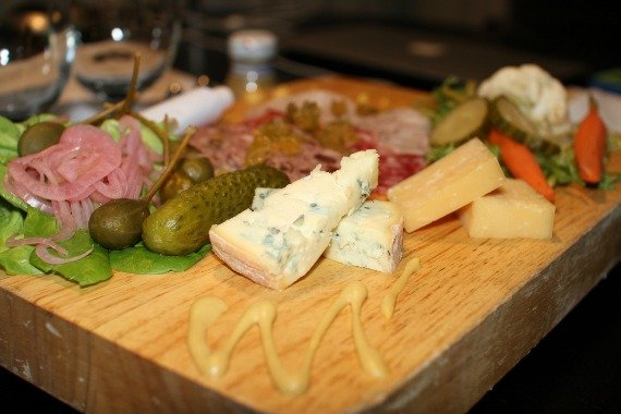 french cheese and charcuterie, Beaujolais, French wine, food