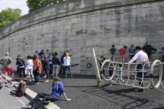 Les Berges de Seine Rock wall for Children Paris
