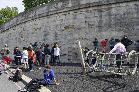 Les Berges de Seine Rock wall for Children Paris