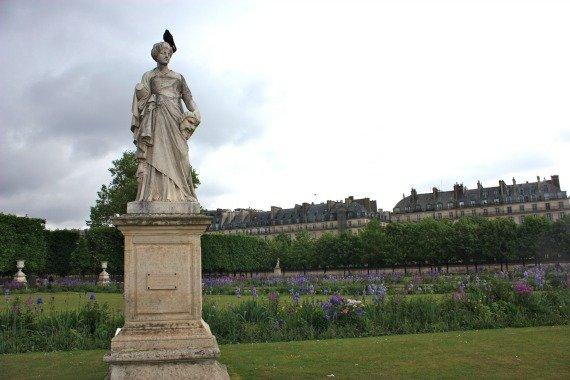 Statue Jardin de Tuileries Spring Paris
