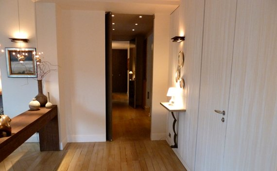 s 4 hallway to kitchen and bedrooms