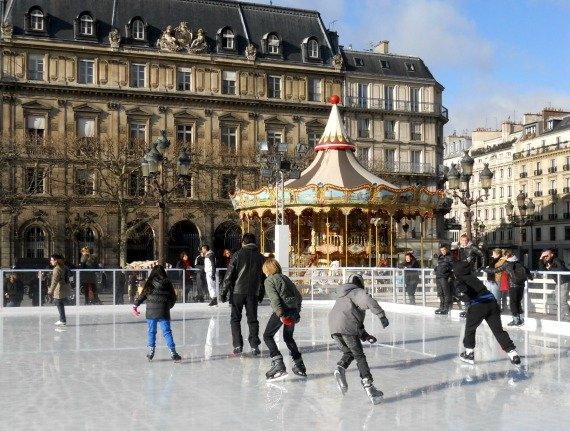 Ice Skating at the Hote del Ville in Paris