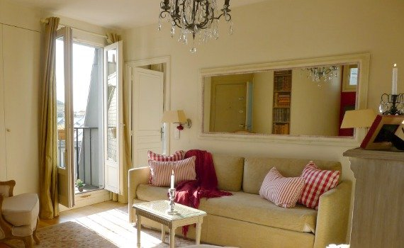 Paris Sunshine at the Charming Médoc Apartment !