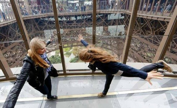 Amazing New Glass Floor at the Eiffel Tower