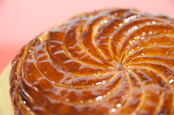 Galette des rois a french tradition fit for a king for Galette des rois decoration