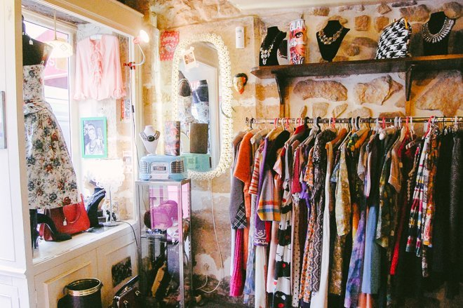 how to find vintage clothing at thrift stores