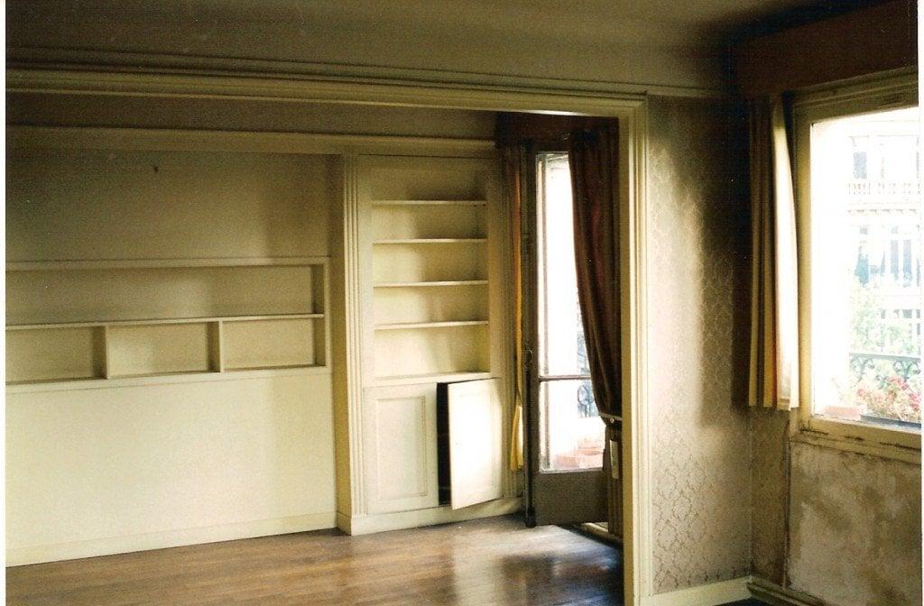 2 living room to bookshelves