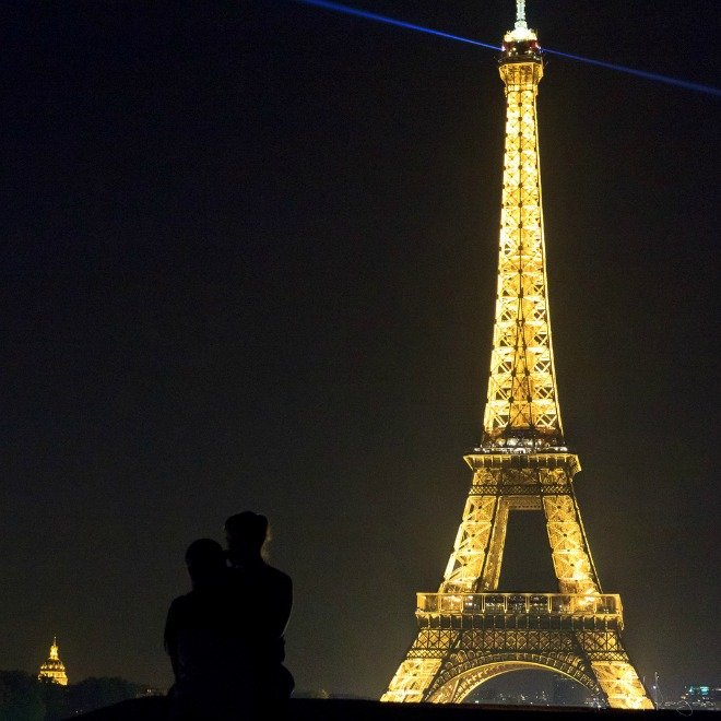 Eiffel tower Valentines day romantic