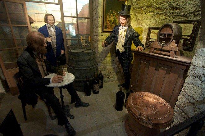 Musee de Vin Paris wine valentines day