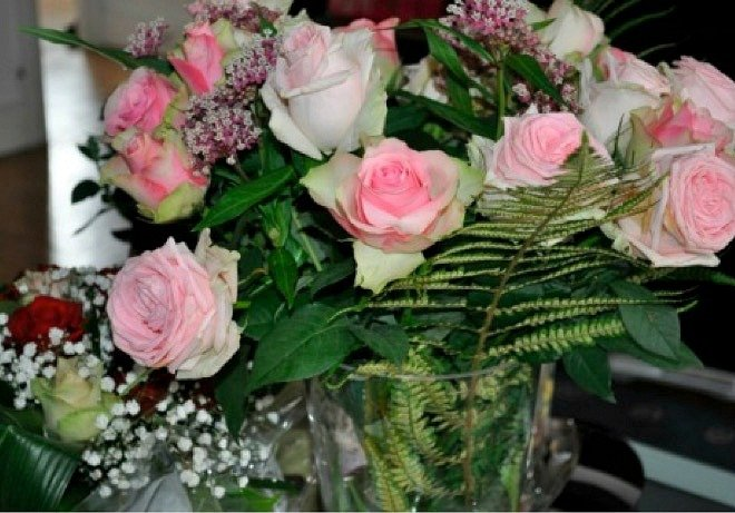 Pink roses are a safe hostess gift