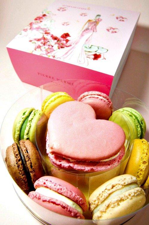 Pierre Herme Macaroons love valentines