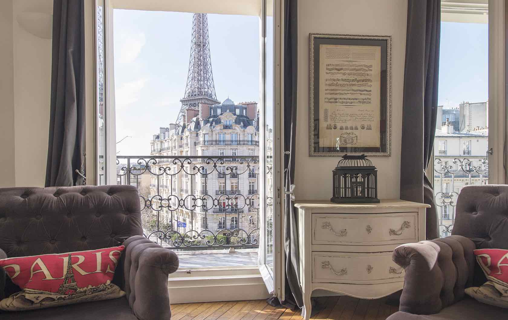 Paris Apartment Remodeling: Check out the Champagne!