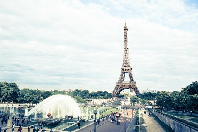 5 Reasons to Book Your Paris Vacation Right Now While the Dollar is Strong