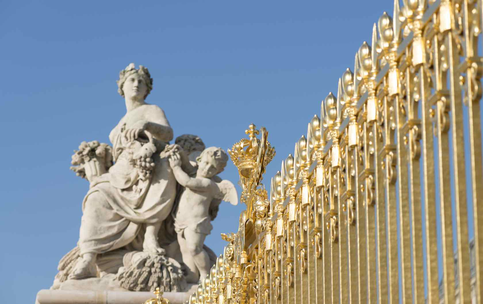 Traveling from Paris to Versailles–The Definitive Guide