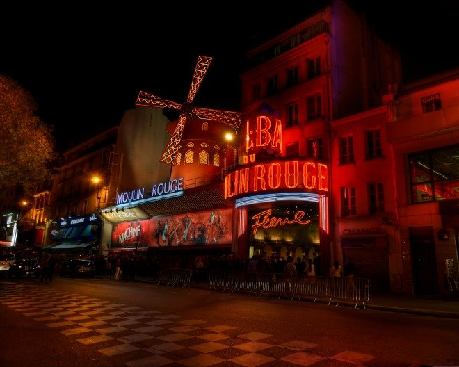 Moulin rouge windmills cancan paris