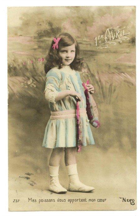 Poisson d'Avril Vintage Postcard