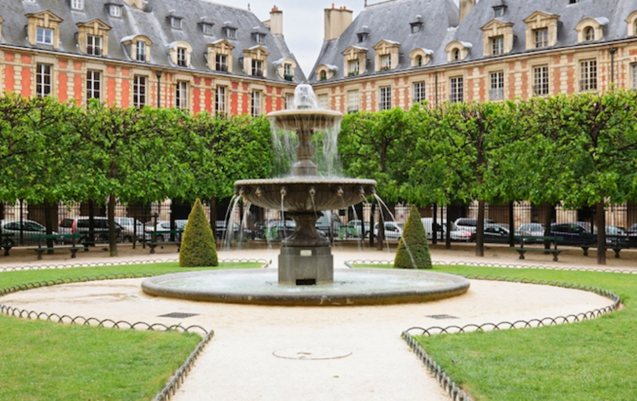 The peaceful Place des Vosges