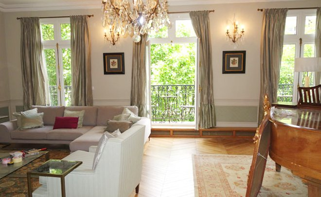 Sneak Preview: Behind the Scenes at the Gorgeous New Hermitage Apartment!