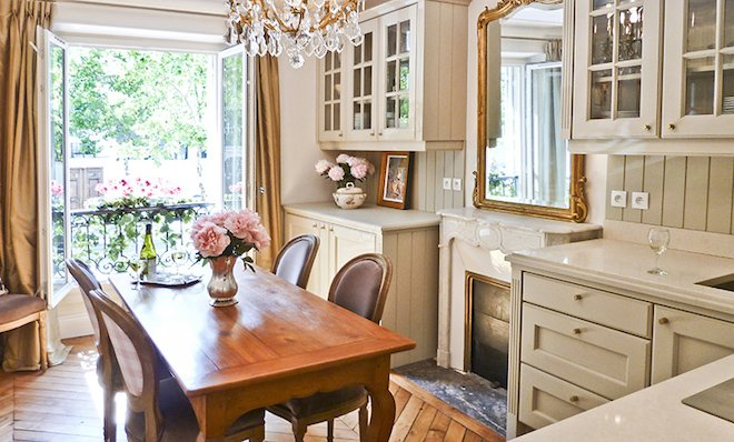 The light, bright and summery Beaumes de Venise apartment!