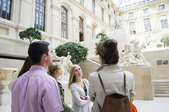 Louvre Crash Course for Families. Image by Context Travel.