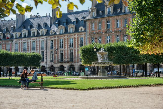 Live Like a King – Place des Vosges Apartment for Sale!