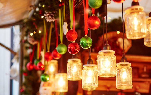 How to Best Enjoy Parisian Christmas Markets!