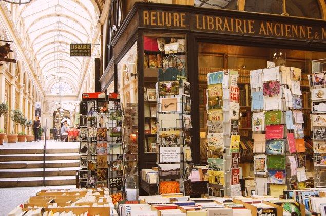 HW-galerievivienne-books-original-2