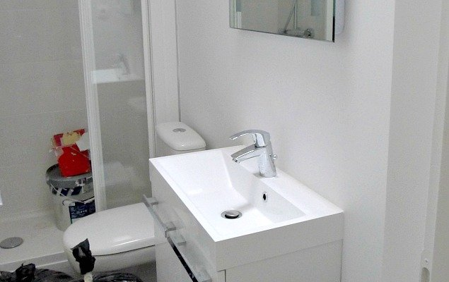 Paris Apartment Remodel - Modern Simple Bathroom