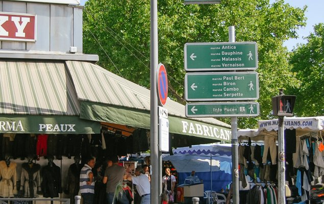 How to get to the Saint-Ouen flea market of Paris