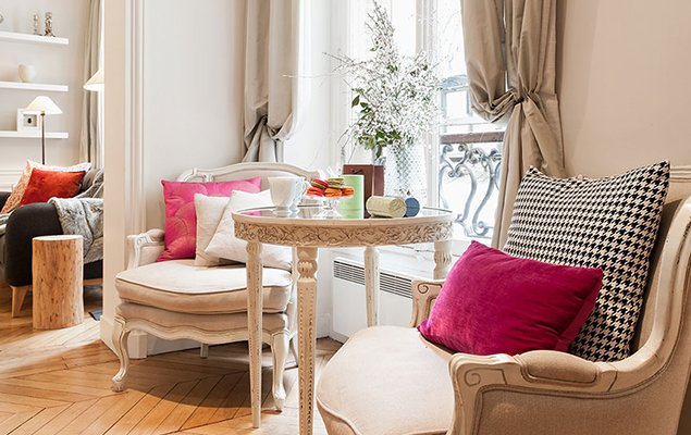 Saint Estèphe – A Fresh 2 Bedroom Apartment in the Heart of the Marais!