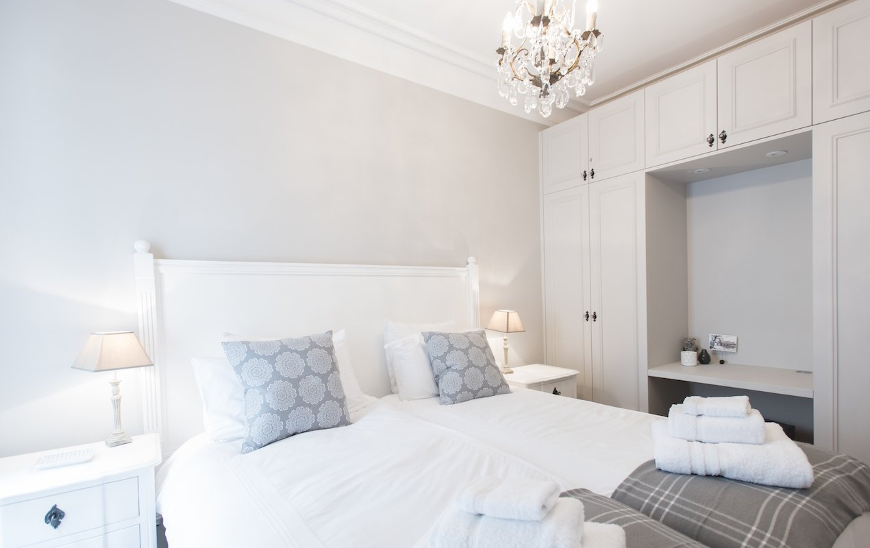 Monthelie - 2 Bedroom Apartment Rental Steps from the Eiffel Tower - Paris Perfect