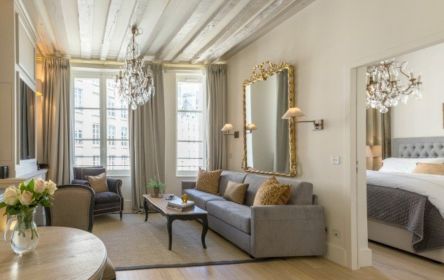 25 PLace Dauphine One Bedroom Apartment Rental