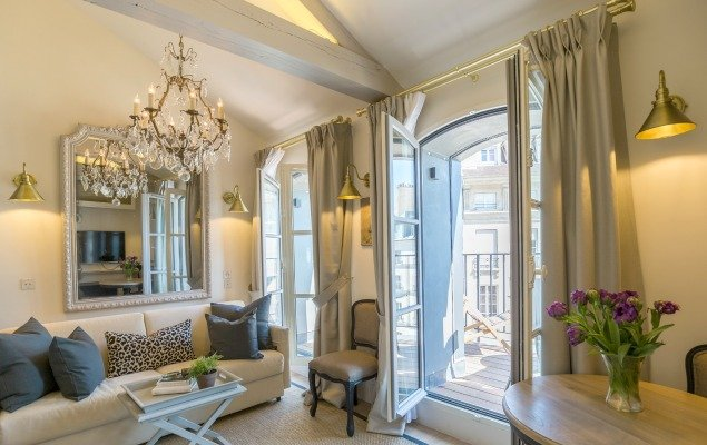 25 Place Dauphine Vacation Apartment Rental