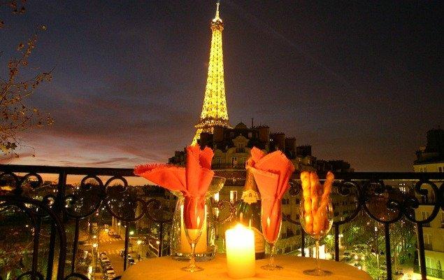 5-eiffel-tower-apartment-central-paris