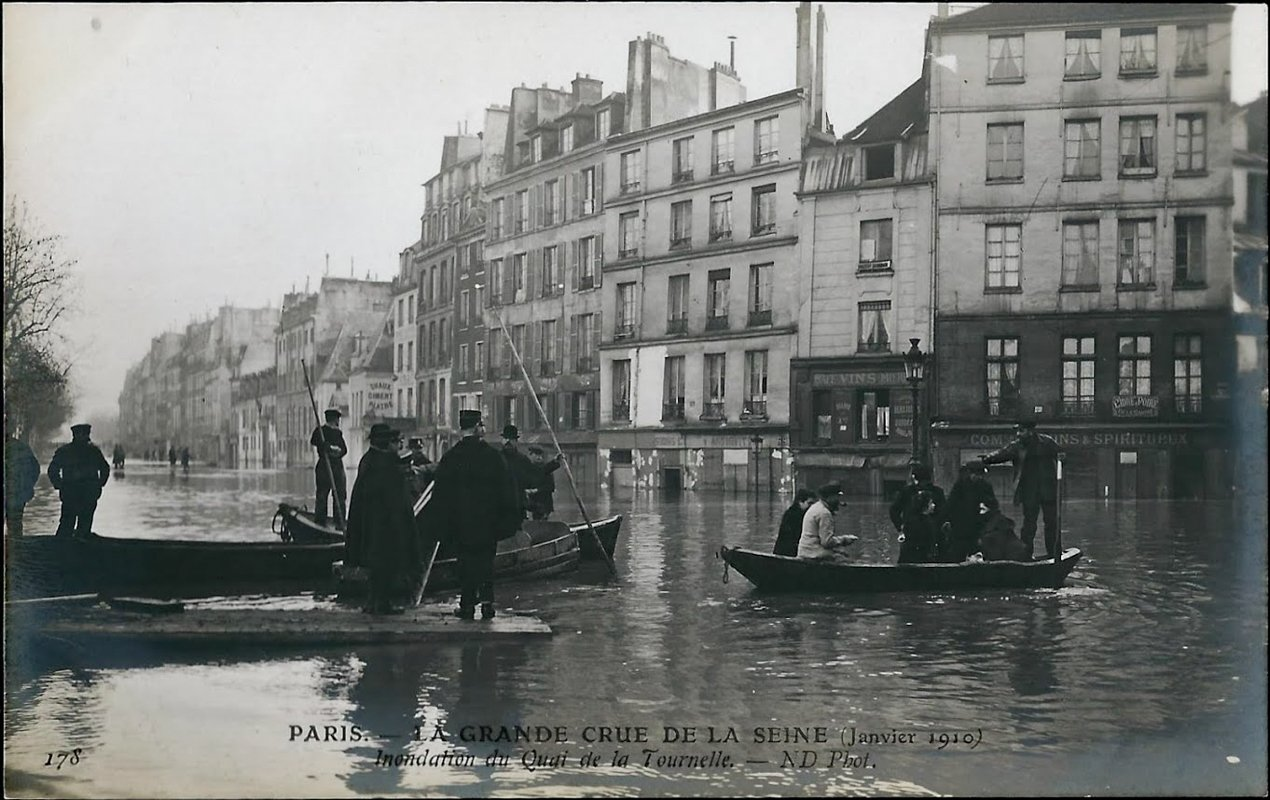 Incredible Photographs of the Paris Floods – 1910 vs. Now