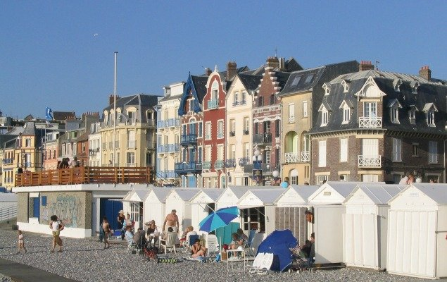 Settled in mers les bains seaside village