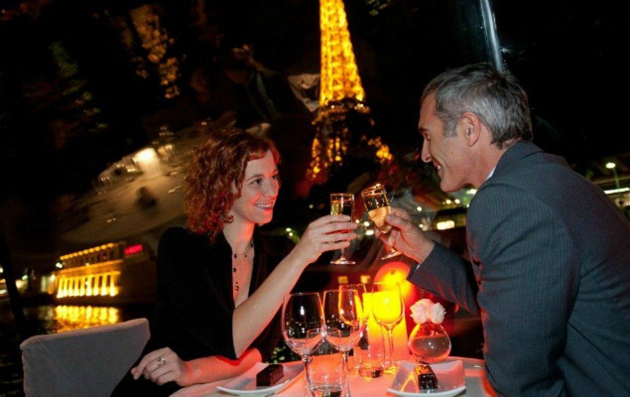 bastile-day-paris-dinner-cruise-2016