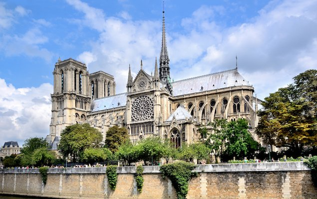 8 Amazing Churches in Paris - Cathedrale de Notre Dame