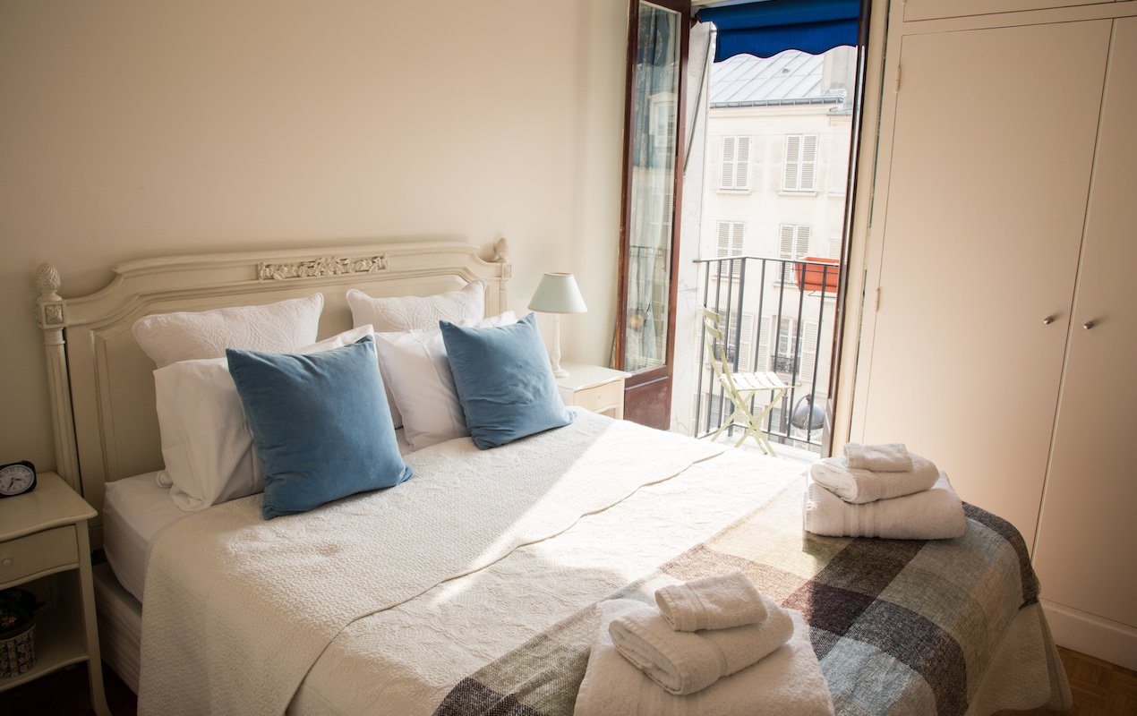 Cassis - Vacation Apartment Rental in the 7th - Paris Perfect