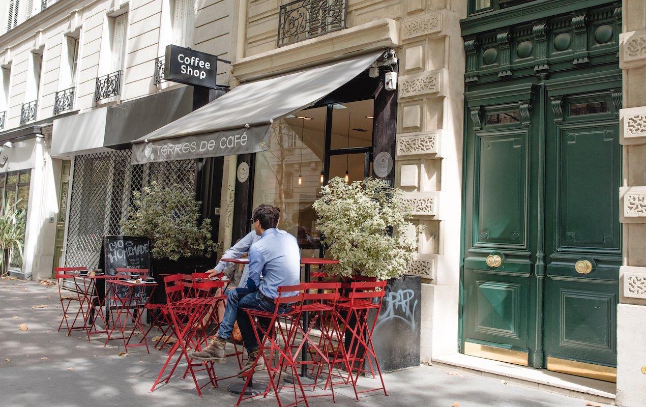 Paris cafés for people watching by Paris Perfect