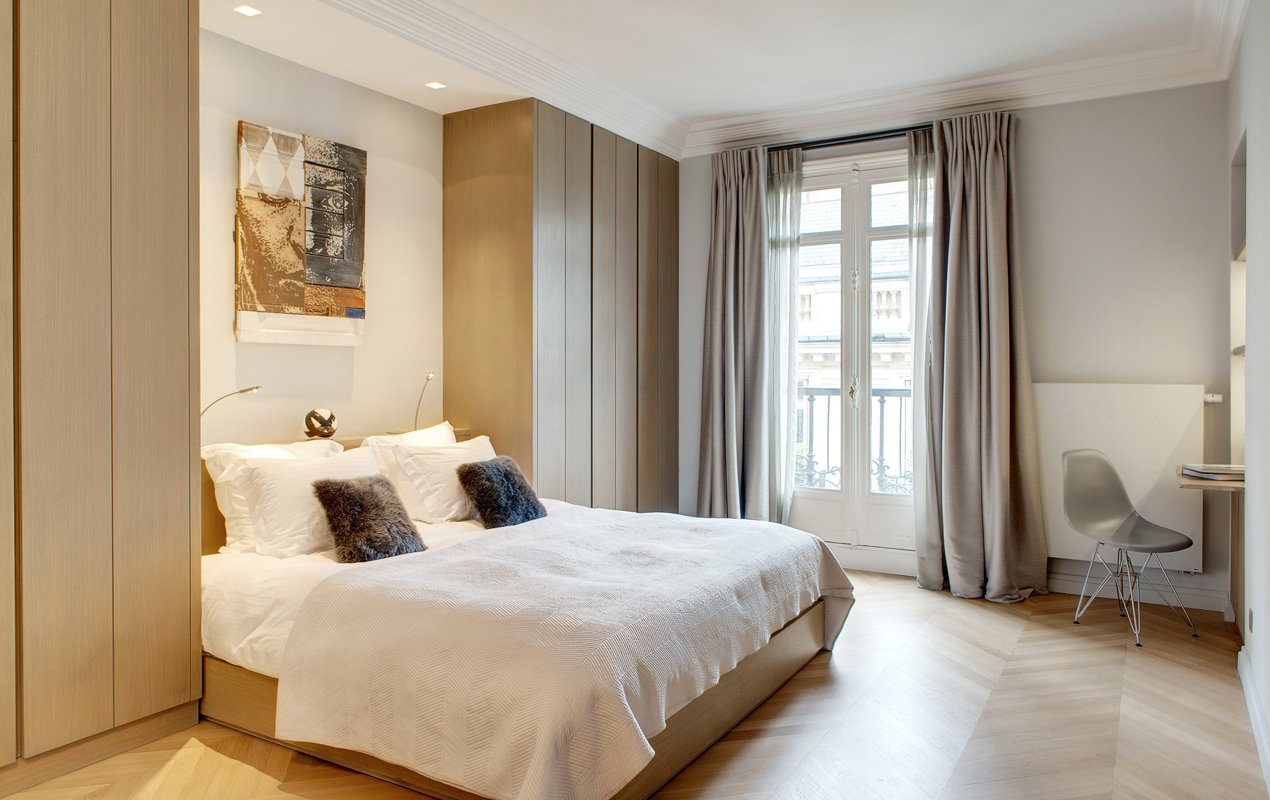 Fronton apartment rental in the 16th Arrondissement - Paris Perfect