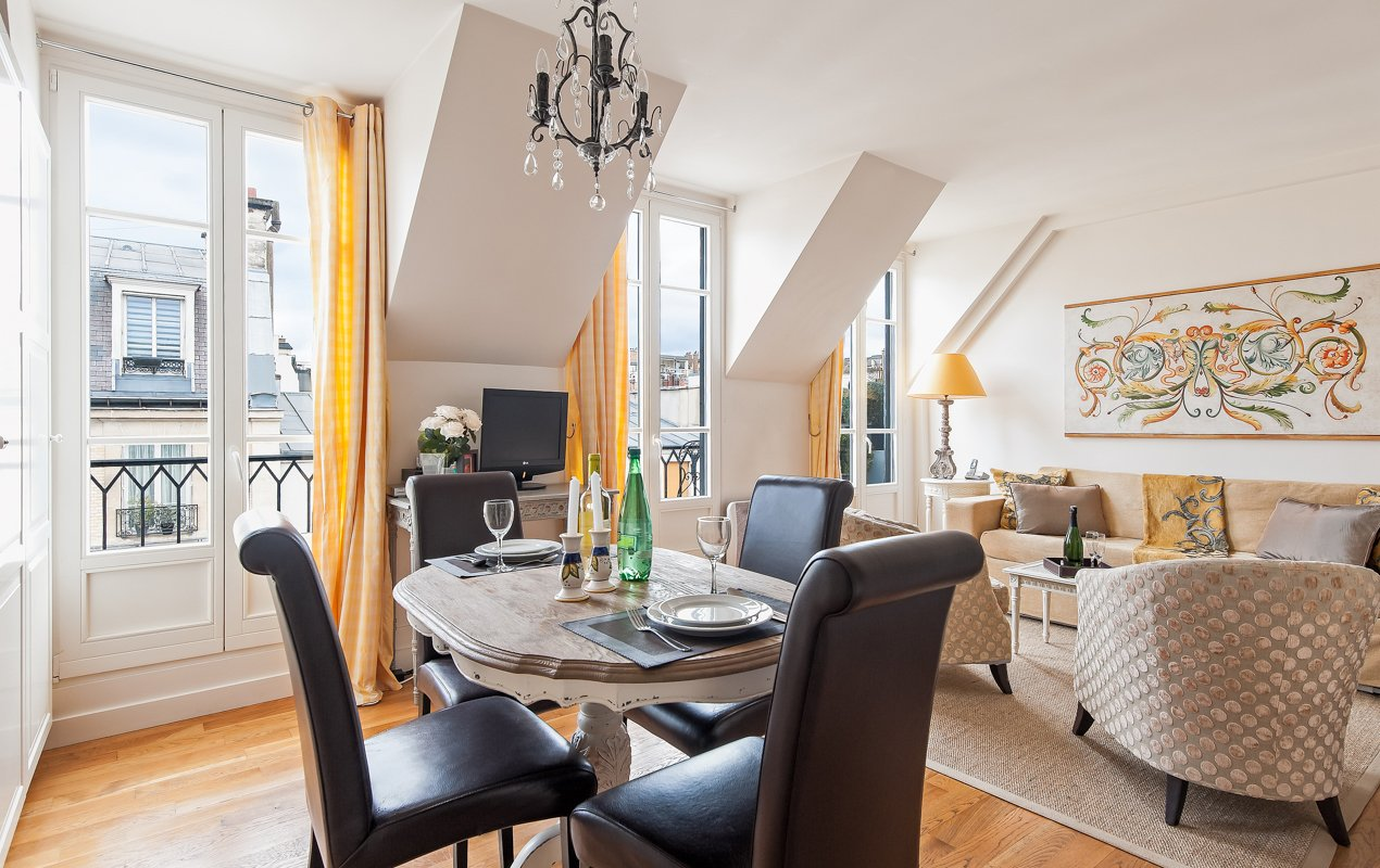 The Syrah apartment rental on Rue Cler, by Paris Perfect