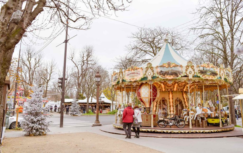 Heartwarming Holiday Traditions in Paris