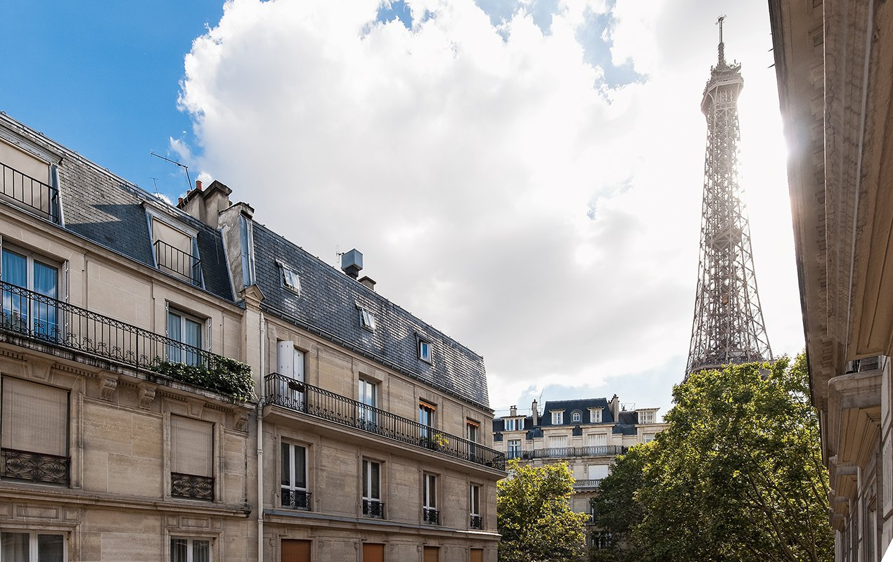 Stunning Eiffel Tower View from the Montagny Apartment