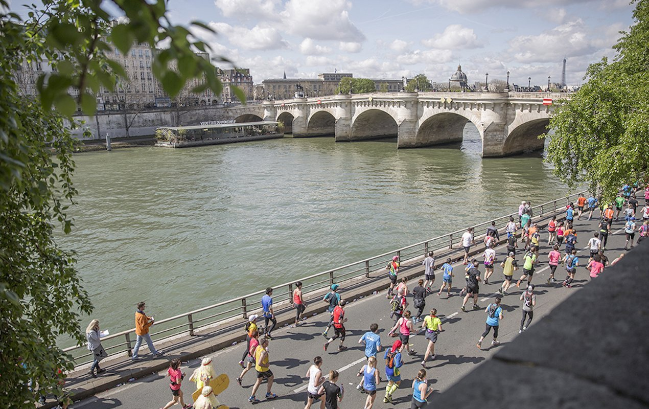 The Best Jogging Routes on the Left Bank of Paris