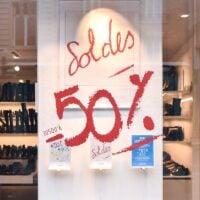 Pairs-winter-sales-window