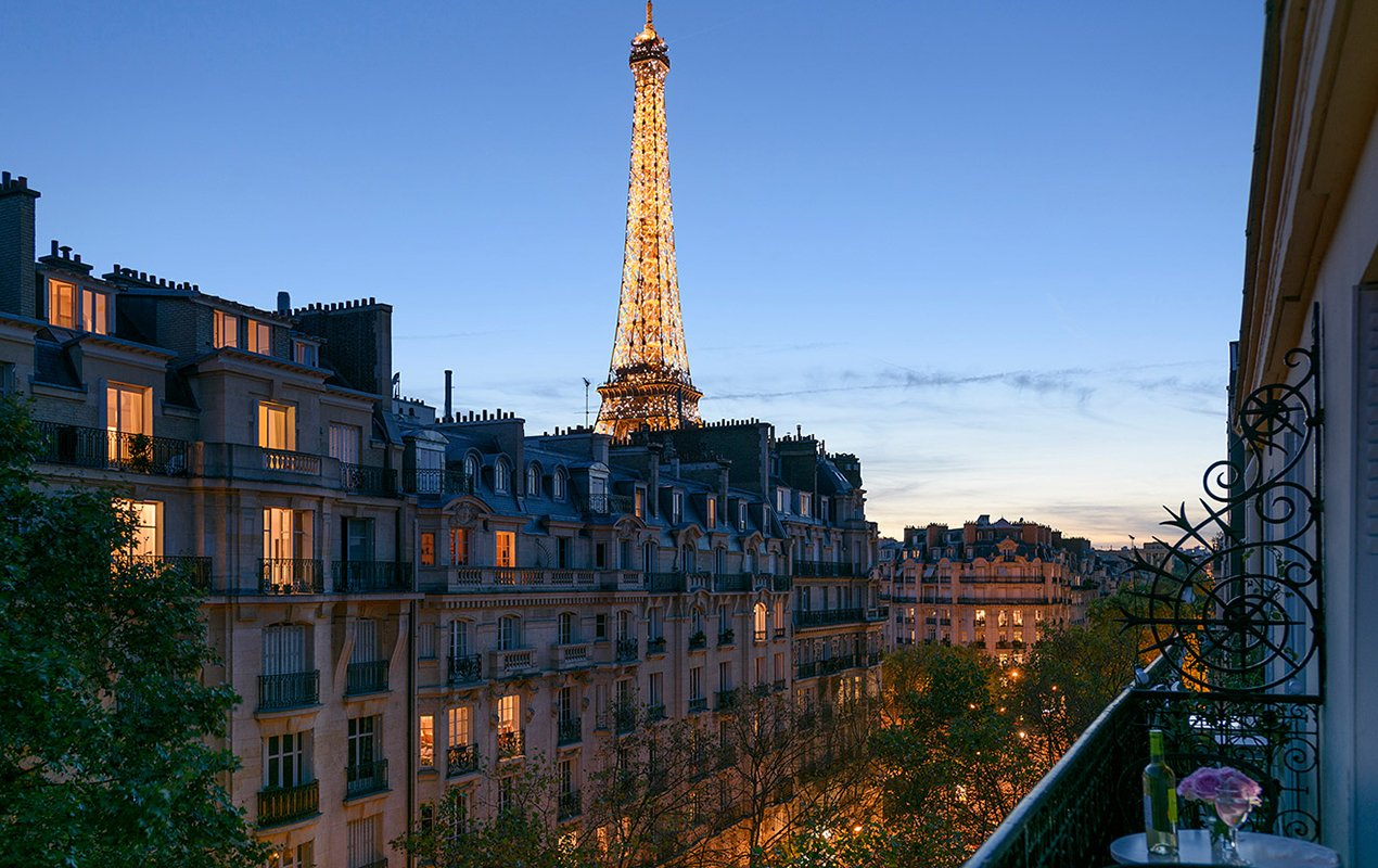 The Ooh La La Sale – Plan a Romantic Paris Winter Getaway and Save Big!