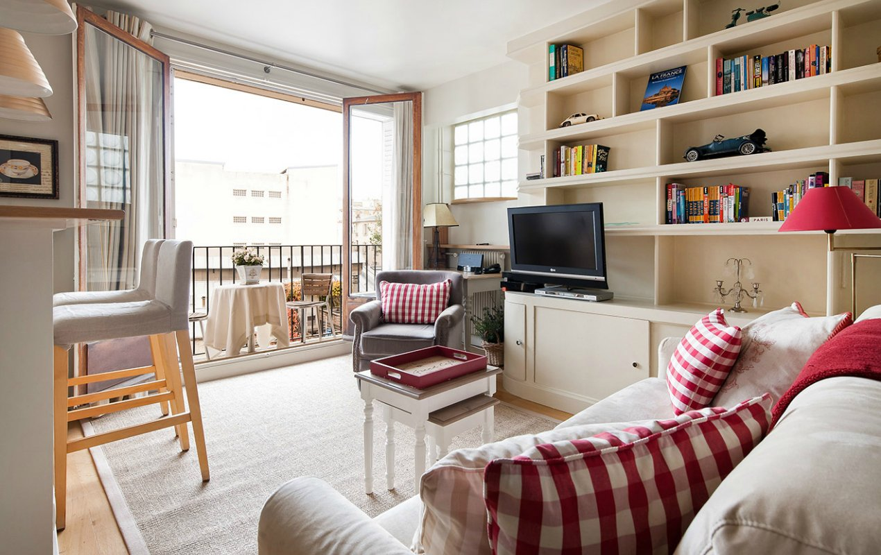 Small Space Parisian Style How to Decorate a Studio Apartment