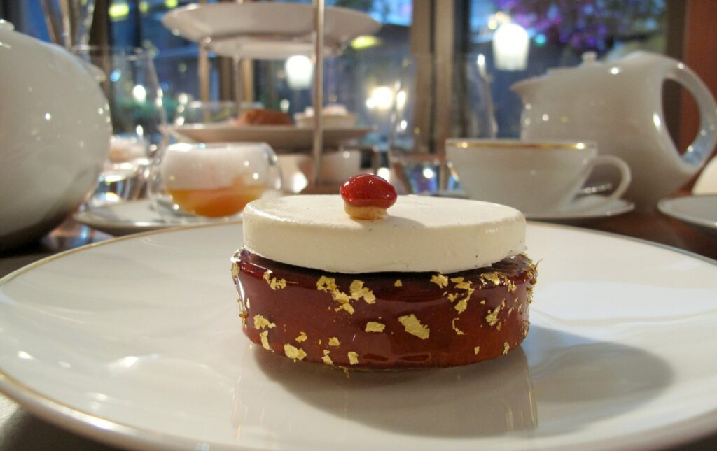 A Contemporary Winter Teatime at the Mandarin Oriental Hotel